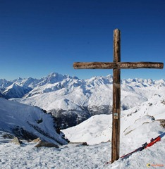Croix-sommet-punta-leysser-visoterra