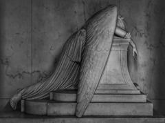 ange-en-pleurs-03