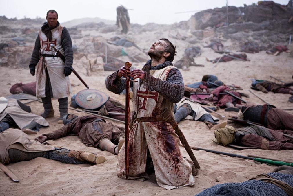 chevalier en prieres champ de bataille