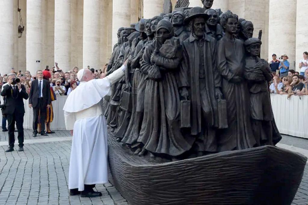 Barque-Clandestins-Vatican-Rabbin-b